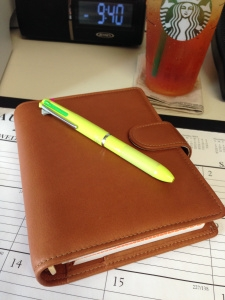 closed-on-desk_vds_custom_planner